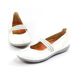 CLARKS_克拉克 (女款) 輕量柔軟透氣平底休閒鞋-白色