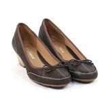 CLARKS_克拉克 (女款) 知性蝴蝶結楔型低跟包鞋-咖啡色