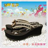 【G.P】阿亮代言 ~新潮高台設計花系列(35-39)尺碼女拖鞋G3541W-30(咖啡色)共二色