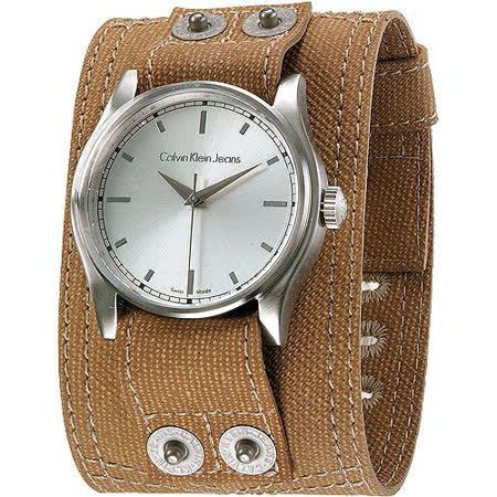 CK 酷炫寬版休閒風個性腕錶-卡其色 K5711138