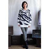 【ZARA】BERSHKA 斑馬紋針織寬鬆長版上衣(白)