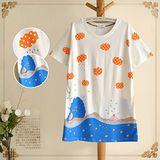 【韓系女衫 中大尺碼】 下雨天自得其樂的海豚寬鬆上衣(雙面印花)