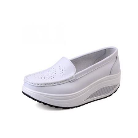 【Maya easy】白色 雅緻純色淑女風格透氣搖擺健走鞋(鞋跟5cm高)