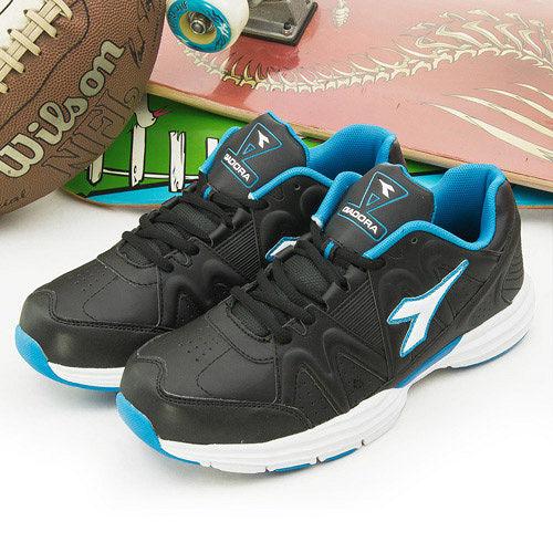 【男】DIADORA 輕量寬楦多功能跑鞋--黑藍白--9810