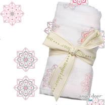 美國 ANGEL DEAR 竹纖維嬰幼兒包巾 (古典小花-粉紅色)