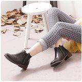 【Moscova】韓風流行復古造型橡筋木跟短筒靴-黑色