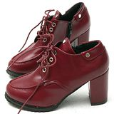 【Moscova】時尚鉚釘繁帶後拉鍊粗高跟裸靴-紅色