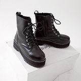 《JOYCE》獨特風格綁帶造型粗跟短靴(訂製)