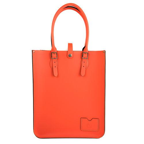 【The Leather Satchel Co.】英國原裝手工牛皮托特包 手提包 肩背包 壓釦精緻 手把可調整長度 精湛工藝 (珊瑚紅)