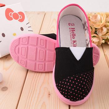 童鞋城堡-Hello Kitty 簡約設計帆布休閒鞋715915-黑
