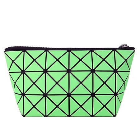 ISSEY MIYAKE 三宅一生BAOBAO幾何方格3x6萬用包(霧面螢光綠)