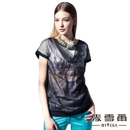 【麥雪爾】圓領網紗建築物造型T恤