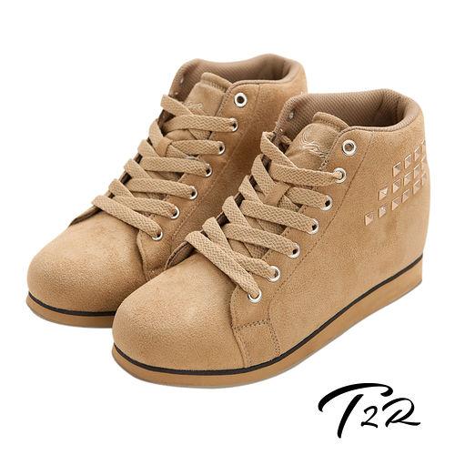 ~韓國T2R~鉚釘 內增高短筒靴 卡其 ↑8cm^(5600~0105^)