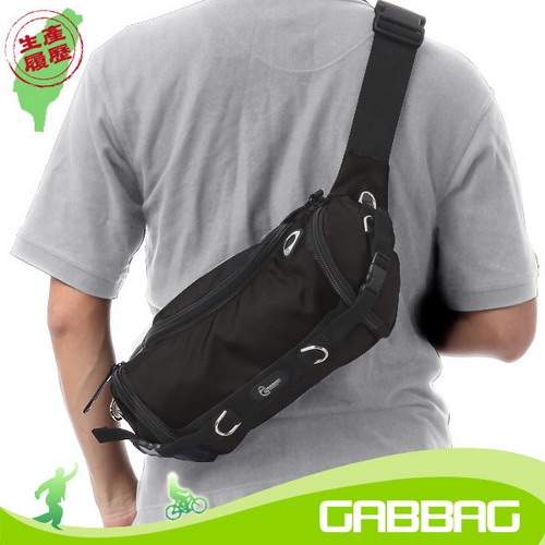 GABBAG 森岡臀腰斜背包^(黑^)^(GB09202~01^)