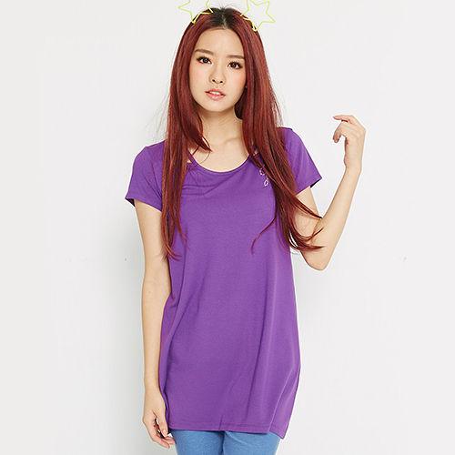 【TOP GIRL】特殊領口燙鑽logo長版T-女-魅力紫