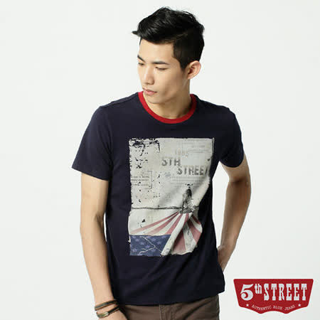 5th STREET 人物國旗印花短袖T恤-男-丈青