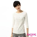 SOMETHING 蕾絲貼袋後染七分袖T恤-女-白色