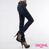 SOMETHING 法式微醺-蕾絲雙層腰頭窄直筒牛仔褲-女款(中古藍)