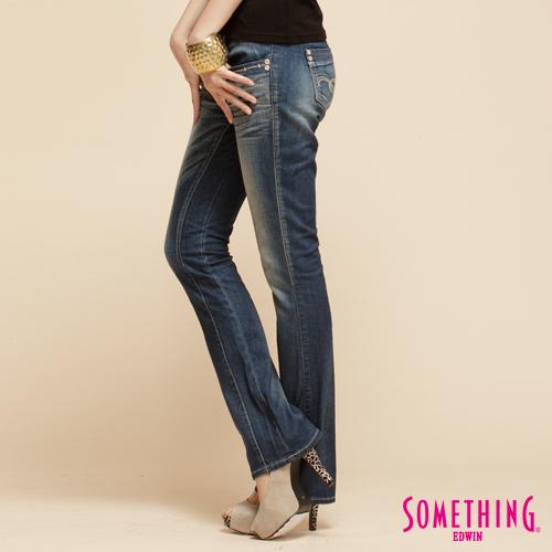 SOMETHING CELEB 後剪接窄靴型牛仔褲~女~拔洗藍