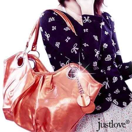 【justlove】普普風時尚亮面抓皺吊飾休閒肩背手提大元寶半月包(共2色)PG-0295