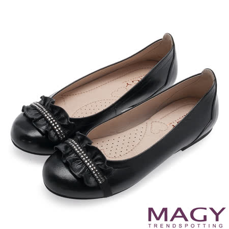 MAGY 清新甜美女孩 鞋面皮革抓皺鑽飾點綴平底鞋-黑色