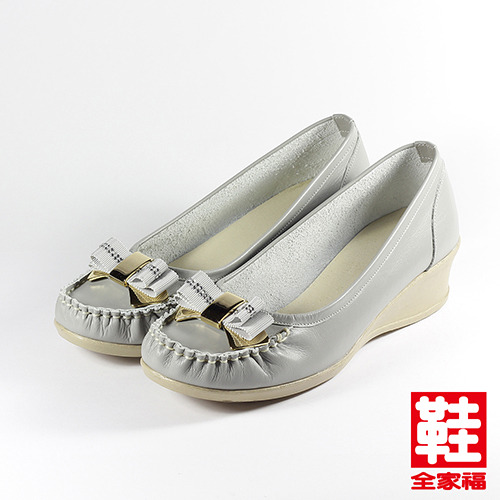 ^(女^) LUZZI 牛皮蝴蝶釦飾楔型包鞋 灰 鞋全家福