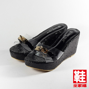 (女) YOUNG COLOR 透明飾釦楔型拖鞋 黑 鞋全家福