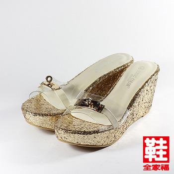 (女) YOUNG COLOR 透明飾釦楔型拖鞋 金 鞋全家福