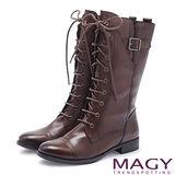 MAGY 紐約時尚步調 牛皮雙色感綁帶拳擊靴-咖啡