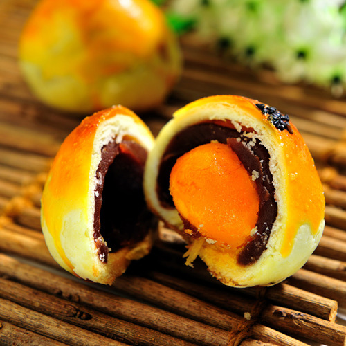 【柯記鳳梨酥專賣店】豆沙蛋黃酥