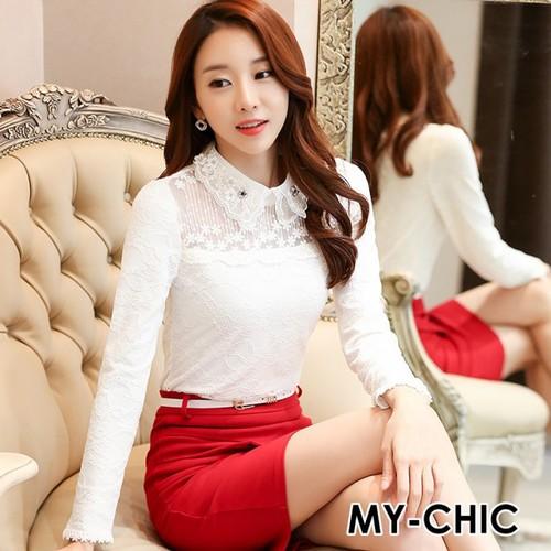 ~ MY~CHIC~韓系 精緻貼鑽娃娃領併接花朵蕾絲立體繡花加絨長袖上衣^(白色^)