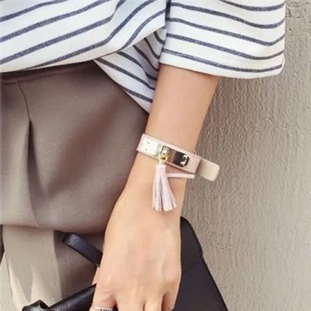 【PS Mall】韓版吊流蘇金屬牌環保PU皮荔枝紋皮帶手環 (G1866)