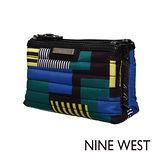 NINE WEST--旅人必備 防潑水小包--幾何圖騰