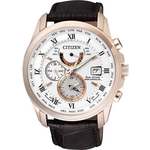 CITIZEN 光動能電波萬年曆腕錶~玫瑰金框x咖啡43mm AT9082~01A