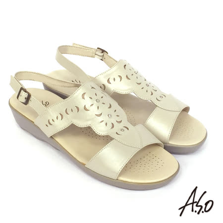 【A.S.O】彈力氣墊 珠光牛皮繫帶楔型涼鞋(米)