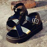 ALicE (預購)Y1180交叉帶扣式環帶厚底涼鞋 (黑)