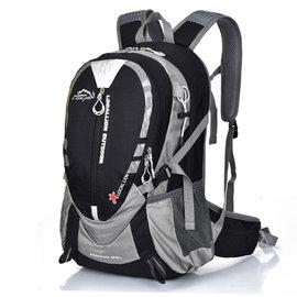 LOCAL LION 25L 透氣輕量化拔熱登山健行背包/含胸扣哨子(僅780g)自行車.攻頂背包.適旅行旅遊 書包/441 黑