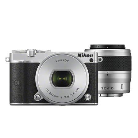 Nikon 1 J5 10-30mm + 30-110mm 雙鏡組(銀色-公司貨)-送Nikon 40.5mm 近攝鏡(用於30-110mm鏡頭上)+保護貼+清潔組