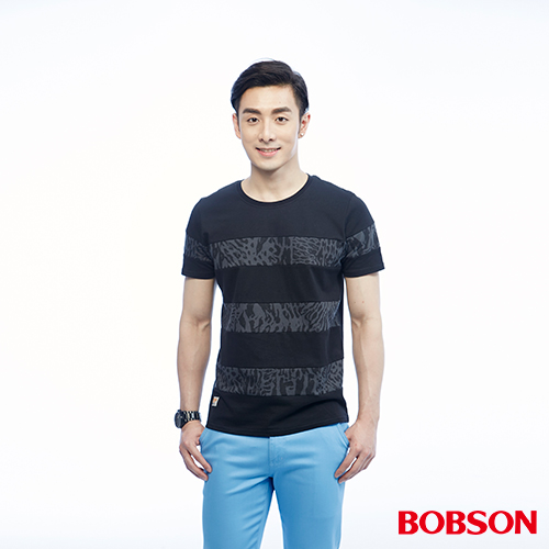 BOBSON 男款配豹紋剪接上衣^(26027~88^)