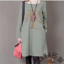 【Maya 名媛】(M~XL)春秋綿質特殊布藝 立體貼圖 大樹款 長袖圓領連衣裙-3色