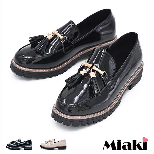 ~Miaki~樂福鞋英倫簡約流蘇低跟包鞋 ^(杏色 黑色^)