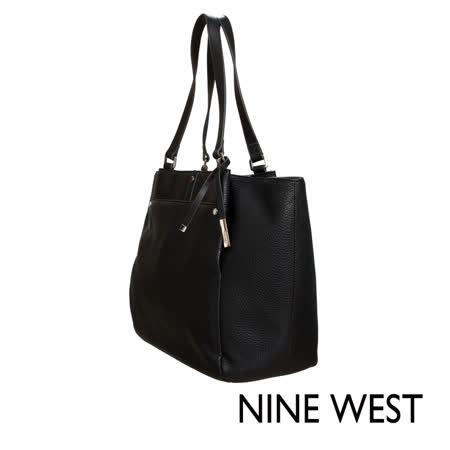 NINE WEST--簡約俐落素面肩背包--經典黑