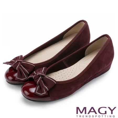 MAGY 通勤必備 雙皮質拼接扭結蝴蝶結娃娃鞋-紅色