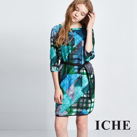 ICHE 衣哲 滿版印花腰帶七分袖洋裝