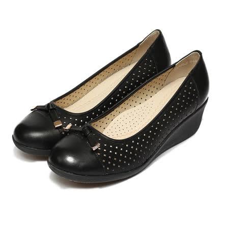 (女) LUZZI 羊皮沖孔輕量楔形鞋 黑 鞋全家福