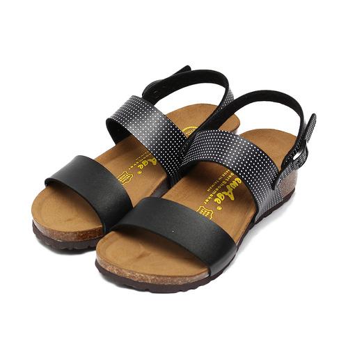 ^(女^) NEW AGE 點點腳床楔型涼鞋 黑 鞋全家福