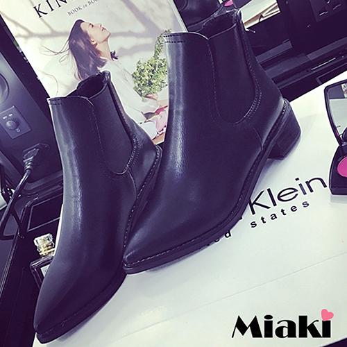 ~Miaki~短靴  皮革尖頭低跟包鞋 ^(白色 黑色^)