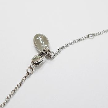 agnes b. Sport b鉚釘盾牌造型墜飾項鍊(銀色)