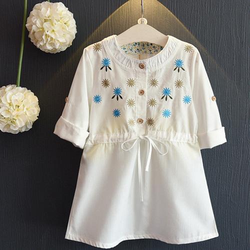 童裝 秋款韓版設計簡約風花朵刺繡連身裙