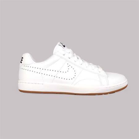 (女) NIKE W TENNIS CLASSIC ULTRA LTHR 運動板鞋 白卡其